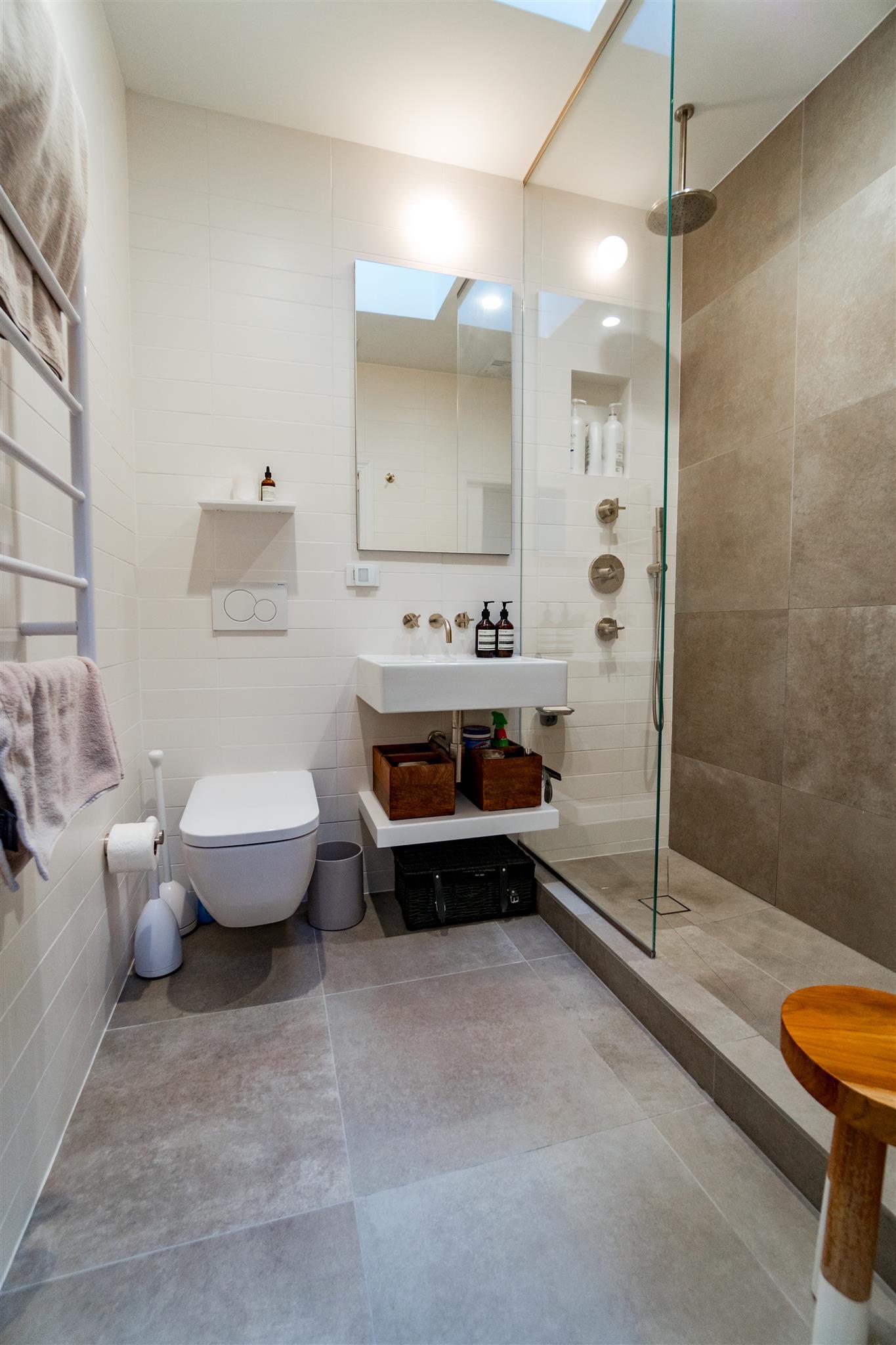 Bathroom remodeling 2017 added value for Bathroom makeovers 2016